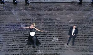 Just the 2 of US: «Λύγισε» η Σάσα Σταμάτη πάνω στη σκηνή – «Για σένα μπαμπά» (video)