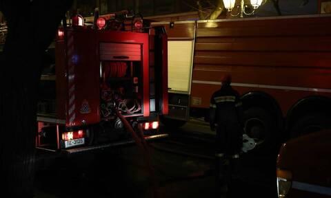 Θεσσαλονίκη: Φωτιά σε προαύλιο εγκαταλελειμμένου εργοστασίου στην Ευκαρπία
