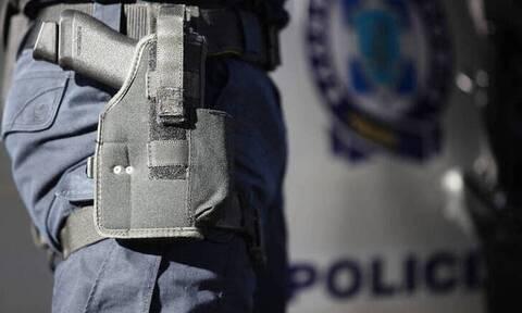 Θύμα διάρρηξης αστυνομικός στο Ίλιον – Του άρπαξαν το υπηρεσιακό όπλο (vid)