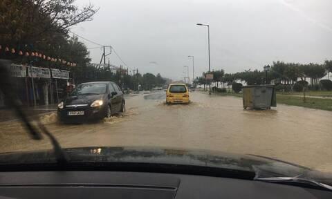 Η κακοκαιρία «Αθηνά» σαρώνει τη χώρα: Ραγδαία επιδείνωση του καιρού και φόβοι για νέες πλημμύρες