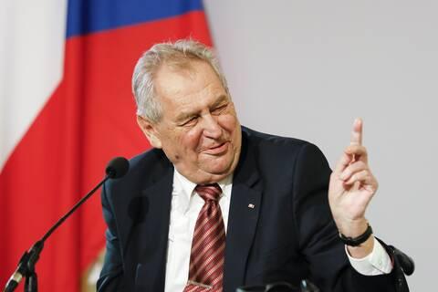 Τσεχία: Εσπευσμένα στο νοσοκομείο ο πρόεδρος της χώρας Μίλος Ζέμαν