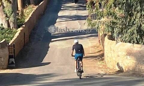 Στα Χανιά ο Μητσοτάκης - Απόλαυσε τον καλό καιρό με μία ποδηλατάδα