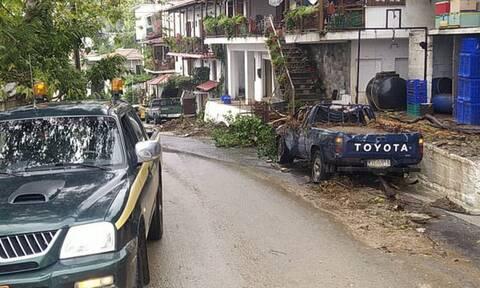 Κακοκαιρία «Αθηνά»: Έφυγε τμήμα βουνού στο Πήλιο - Από τύχη σώθηκαν σπίτια