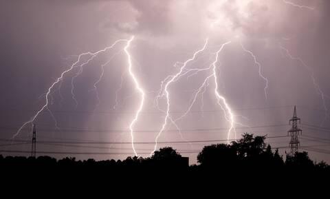 Κακοκαιρία: Πού θα σημειωθούν καταιγίδες τις επόμενες ώρες - Προσοχή στους κεραυνούς