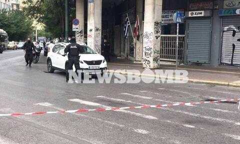 Καταδίωξη στην Αθήνα: Η στιγμή που ο 35χρονος εμβολίζει τις μοτοσυκλέτες της ΕΛΑΣ