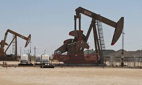 «Καλπάζει» η τιμή του πετρελαίου - Πλησιάζει τα 84 δολάρια το βαρέλι