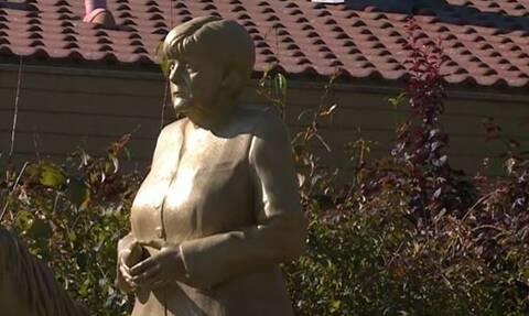 Διχάζει τη Γερμανία το άγαλμα της καβαλάρισσας Άνγκελα Μέρκελ