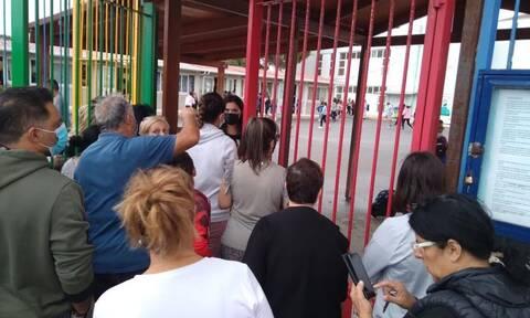 Σεισμός στην Κρήτη: Οι γονείς έτρεξαν στα σχολεία να πάρουν τα παιδιά τους