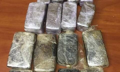 Νίκαια: Μυστήριο με αυτοκίνητο - «αποθήκη» ναρκωτικών