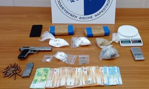 Τέσσερις συλλήψεις για διακίνηση ναρκωτικών σε Αθήνα και Κορωπί