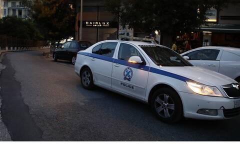 Θύμα διάρρηξης επιχειρηματίας στη Γλυφάδα – Του έκλεψαν το όπλο