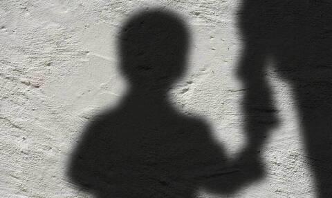Θεσσαλονίκη: Σοκάρει ο 18χρονος - «Ο θείος μου με βίαζε όταν έλειπαν ο παππούς και η γιαγιά»