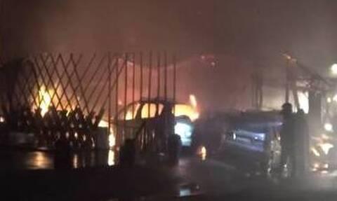 Συναγερμός στη Μύκονο:  Φωτιά σε εστιατόριο στον Ορνό – Αποκλείστηκε η περιοχή