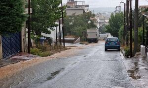 Η κακοκαιρία «Μπάλλος» «χτυπά» και την Αττική - Σε ποιες περιοχές βρέχει καταρρακτωδώς