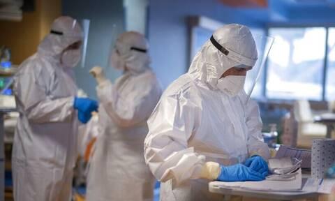 Koρονοϊός - Καπραβέλος: Η μάχη θα δοθεί έξω από το νοσοκομείο - «Καμπανάκι» για τις επιπλοκές
