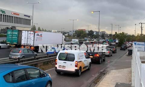 Κίνηση ΤΩΡΑ: Η κακοκαιρία «Μπάλλος» προκάλεσε «έμφραγμα» στους δρόμους - Μποτιλιάρισμα παντού