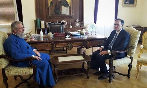 Κύπρος: Ο νέος Πρέσβης της Ελλάδος στον Αρχιεπίσκοπο Χρυσόστομο