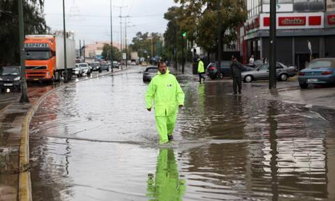 Κακοκαιρία «Μπάλλος»: Έκλεισε η λεωφόρος Κηφισίας στο ρεύμα προς Αθήνα