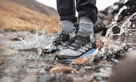 Τα αδιάβροχα αθλητικά που θα σε σώσουν στις βροχερές μέρες