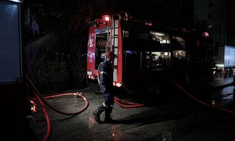 Θεσσαλονίκη: Μεγάλη φωτιά σε εργοστάσιο χαρτικών