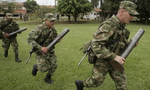 Κολομβία: Η κλιμάκωση της βίας απειλεί την ειρηνευτική συμφωνία