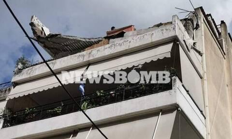 Κακοκαιρία «Μπάλλος»: Έπεσε μπαλκόνι πολυκατοικίας στο Χαλάνδρι