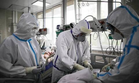 В России выявили 32 196 случаев заражения коронавирусом за сутки. Это максимум за пандемию