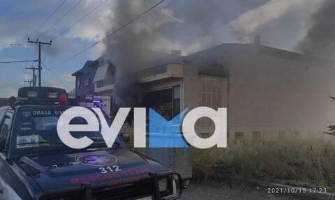 Εύβοια: Φωτιά σε κατάστημα στο Αλιβέρι από έκρηξη καυστήρα