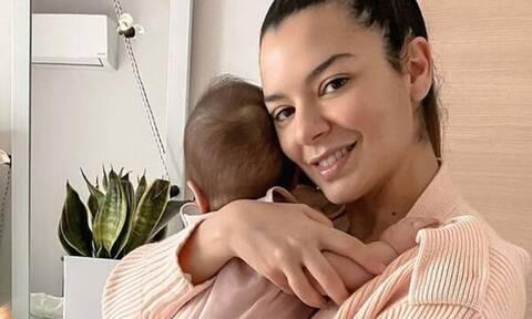 Νικολέττα Ράλλη: Φόρεσε ασορτί μπότες με την κόρη της - Δείτε φώτο