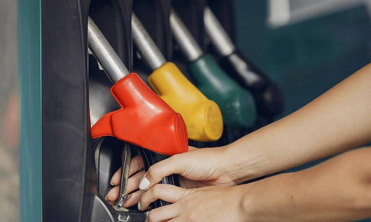 ΔΕΗ: Πόσο θα πληρώσετε για ρεύμα και για θέρμανση - Τα επιδόματα και οι εκπτώσεις