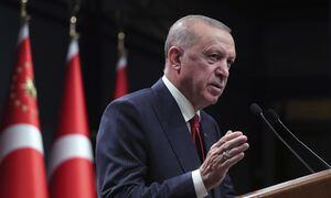 Απειλές Ερντογάν για επίθεση κατά των αμερικανικών δυνάμεων στη Βόρεια Συρία