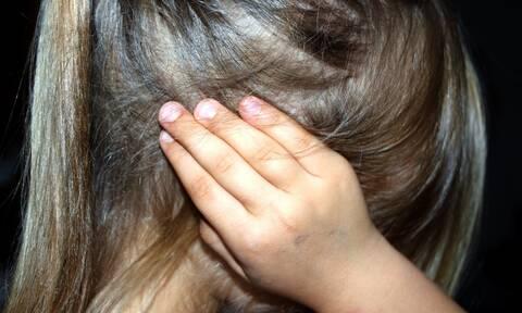 Αποτροπιασμός στη Ρόδο για την 8χρονη: «Παραπονιόταν έναν χρόνο ότι πονάει» λέει η μητέρα της