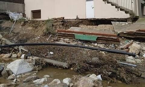 Χαλκιδική: Σπίτι στον... αέρα - Το κατάπιε χείμαρρος (photos)
