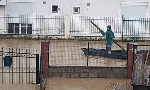 Κακοκαιρία «Μπάλλος»: Το Μεσολόγγι έγινε... Βενετία - Η φωτογραφία που έγινε viral