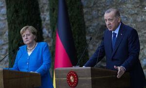 Ο Ερντογάν συνάντησε τη Μέρκελ και… πήρε θάρρος! Νέα επίθεση κατά της Ελλάδας για το μεταναστευτικό