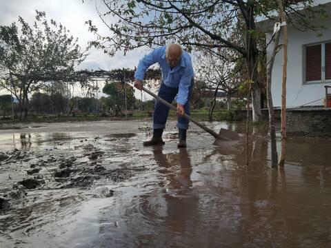 Κακοκαιρία «Μπάλλος»: Το Newsbomb.gr στο πλευρό των κατοίκων της Εύβοιας - Συγκλονιστικές μαρτυρίες