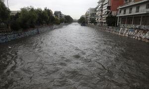 Στην Ευρώπη «καμαρώνουν» τα ποτάμια τους, στην Αθήνα τα «κρύψαμε» και εκδικούνται σε κάθε κακοκαιρία