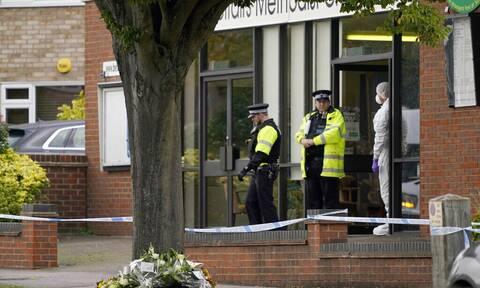 Βρετανία: Στην επικαιρότητα ξανά η ασφάλεια των βουλευτών, μετά τη δολοφονία του σερ Ντέιβιντ Έιμες