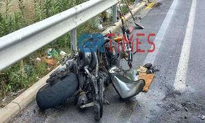 Θεσσαλονίκη: Στις φλόγες μηχανή μετά από σύγκρουση με ΙΧ – Ένας σοβαρά τραυματίας (pics)