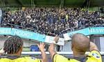 Τρομάρα στην Ολλανδία: «Γκρεμίστηκε» κερκίδα την ώρα που οι οπαδοί πανηγύριζαν (video)
