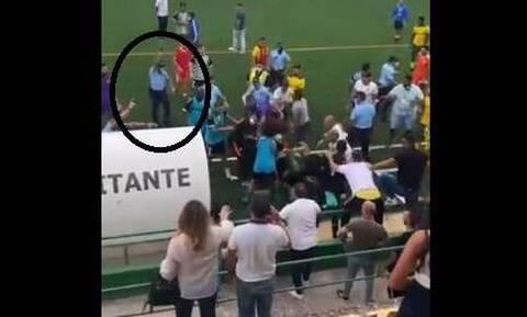 Εικόνες ντροπής στην Πορτογαλία: «Άγριο» ξύλο παικτών με οπαδούς – Αστυνομικός πυροβόλησε στον αέρα