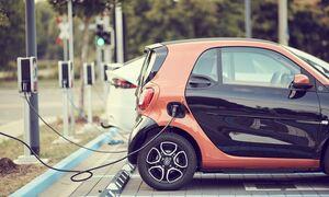 Ηλεκτρικά αυτοκίνητα: Λιγοστά παραμένουν τα σημεία φόρτισης στην Ελλάδα σε σχέση με τις χώρες της ΕΕ