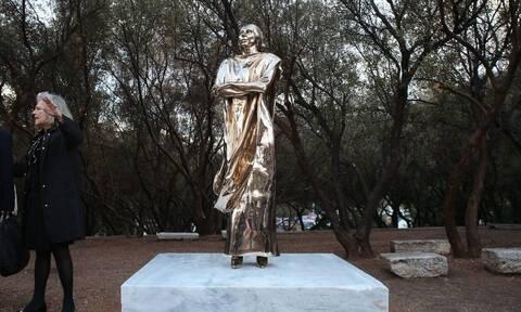Στον Guardian η γκρίνια για το άγαλμα της Μαρίας Κάλλας: «Είναι σαν τον Γκάντι με τακούνια»