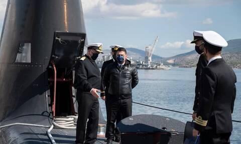 Xαρδαλιάς: Επισκέφθηκε το Αρχηγείο Στόλου στο ναύσταθμο Σαλαμίνας