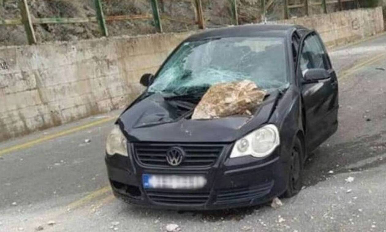 Αράχωβα: «Λίγα εκατοστά ακόμα και θα ήμασταν νεκροί», είπε ο οδηγός που έπεσε βράχος στο Ι.Χ. του