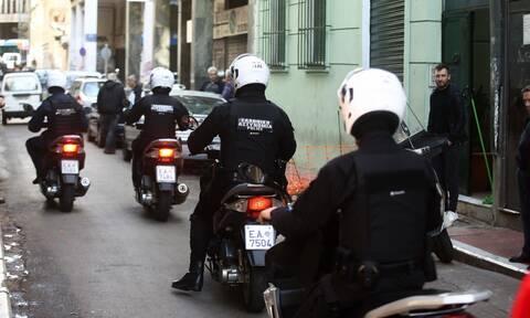 Ο δημοσιογράφος Προκόπης Δούκας καταγγέλλει bullying από αστυνομικούς «λόγω μαγκιάς»
