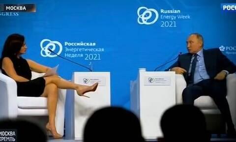 Έξαλλοι οι Ρώσοι με Αμερικανίδα δημοσιογράφο: «Αποπλάνησε τον Πούτιν με τα ποδια της»