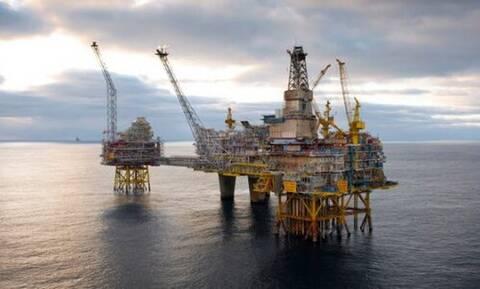 Σε αναμονή των αποφάσεων Total και ExxonMobil για τα κοιτάσματα στην Κρήτη