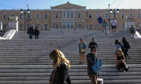 «Καμπανάκι» από Σαρηγιάννη: Μέσα στον Νοέμβριο 5.000 κρούσματα την ημέρα, αν δεν πάρουμε νέα μέτρα