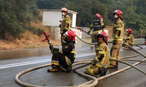 Στα «κάγκελα» οι πυροσβέστες: Τους χρωστάνε ρεπό και άδειες αξίας 20 εκατ. ευρώ